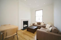Flat to rent in Portobello Road