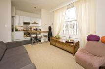 Flat to rent in Ladbroke Grove, London