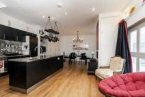 2 bedroom property in Alba Place, Notting Hill