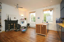 1 bed Flat to rent in St Stephens Crescent