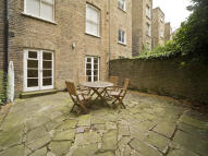 2 bedroom Flat in Chesterton Road