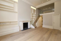 1 bedroom Flat to rent in Blenheim Crescent