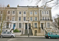 2 bed Flat in St Charles Square