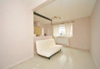 1 bed Flat to rent in Coronation Court...