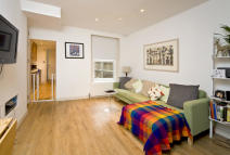 1 bed Flat to rent in Latimer Road