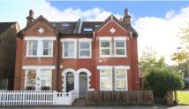 Flat in Tritton Road East...