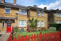 2 bedroom Flat for sale in Athenlay Road Peckham...
