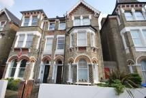 2 bed Flat for sale in Oakhurst Grove East...
