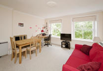 1 bedroom Flat to rent in Courtfield Gardens