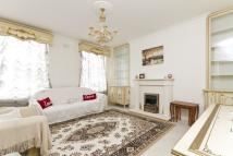 2 bedroom Flat in Lexham Gardens