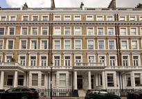 2 bed Flat in Queens Gate Gardens