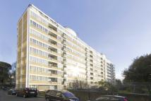 2 bed Flat in Churchill Gardens...