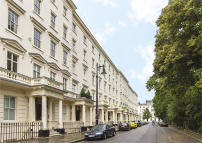 Flat for sale in Warwick Square, London
