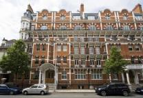 Flat in Drayton Court, London