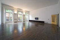 4 bedroom Flat in Boltons Court...