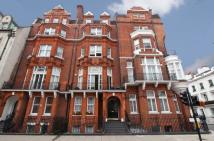 Pont Street Flat for sale