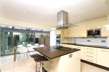 4 bedroom property to rent in Melbourne Terrace...