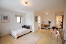 Flat to rent in Carrara Wharf...