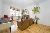 Flat in Rowallan Road, London