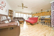 2 bed Flat in Cheesemans Terrace...