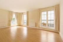2 bedroom Flat to rent in Carlyle Court...