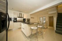 4 bedroom property in Kilmaine Road