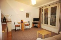 2 bed Flat in Victoria Crescent London...