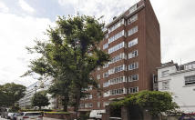 Flat in St Petersburgh Place...
