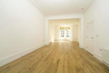 5 bed property in Netherwood Road, London