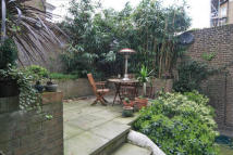 2 bed Flat in Sinclair Road, London
