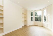 2 bedroom Flat in Batoum Gardens, London