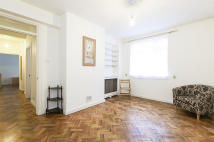 Flat to rent in Latymer Court...