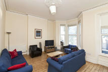 4 bed Flat in Shepherds Bush Road...