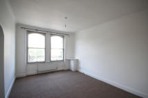 1 bed Flat to rent in Talgarth Road, London
