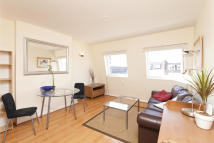 1 bed Flat to rent in Sinclair Road, London