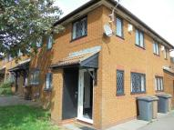 semi detached house to rent in DEXTER CLOSE, Luton, LU3