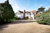 5 bedroom Detached home in Woodlands Road Bromley...