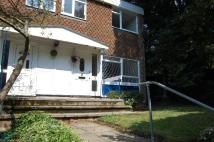 3 bedroom Maisonette to rent in Caveside Close...
