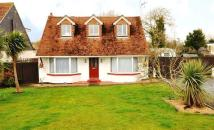 3 bedroom Chalet to rent in Ashford Road, Kingsnorth...