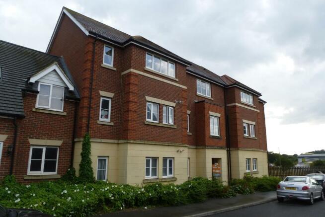 2 Bedroom House To Rent In Ordinance Way Ashford Kent TN23