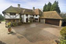 5 bedroom Detached property in Wayborough Hill, Minster...