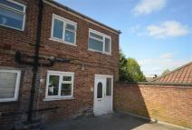 2 bed Flat in High Street...
