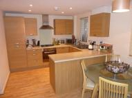 Flat to rent in Barham Close...