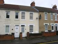 2 bedroom property to rent in Crombey Street, Swindon...