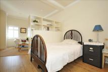 Flat to rent in South Ealing Road,