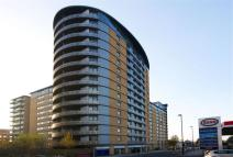 Apartment to rent in Victoria Road,
