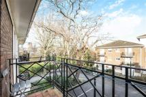 Apartment in Brompton Park Crescent...