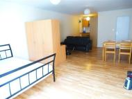 Studio apartment to rent in Walworth Road, London