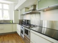 2 bedroom Apartment to rent in Lawn Lane,