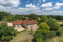 Farm House for sale in Bepton, Midhurst...